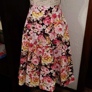 Dresses & Skirts - Floral full skirt